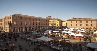 Antiques market in Piazza Grande