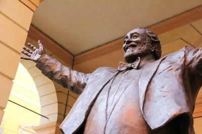 Luciano Pavarotti, tenore (1935-2007)