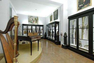 Le collezioni degli strumenti musicali antichi